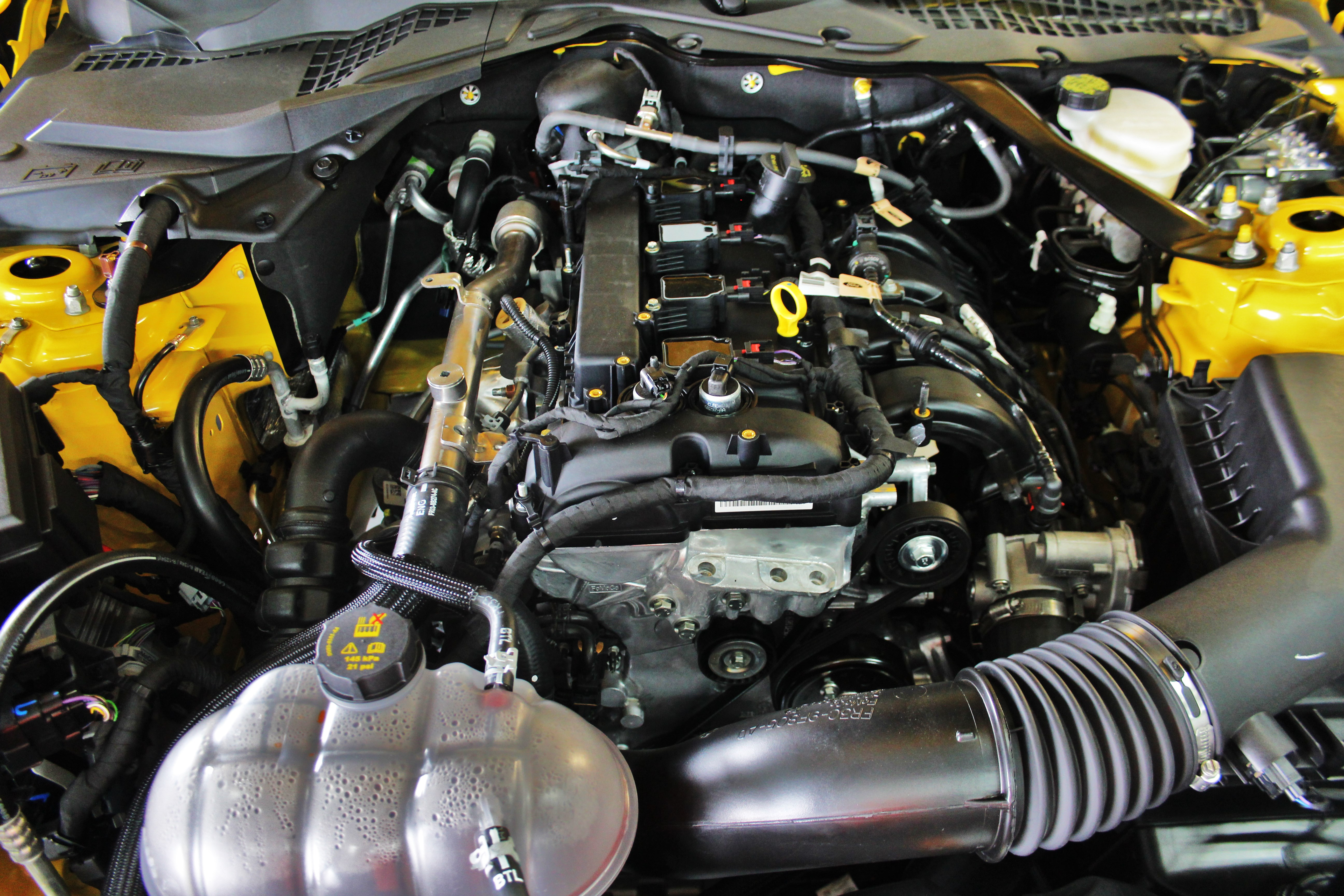 Ford Mustang 2.3 Turbo Engine
