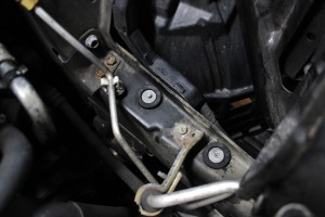 Nissan 350Z intake airbox – lower mounting grommets