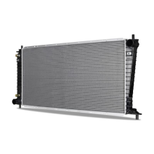 Ford Expedition 5.4L Replacement Radiator, 1997-1998